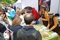 Tvarůžky a tvarůžkové moučníky z Loštic reprezentovaly náš region na prestižním svátku jídla Prague Food Festival v Královských zahradách v Praze, na němž se představují špičkové restaurace a šéfkuchaři.