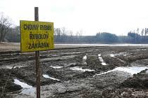 Napouštění Polického rybníka u Úsova - 13. března 2019