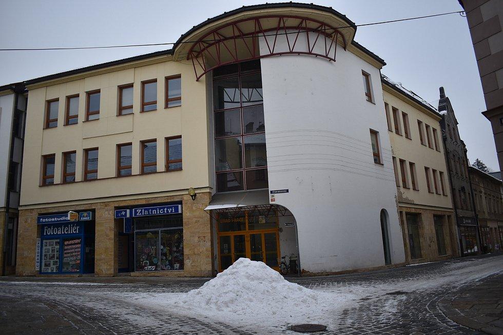 Budova bývalého úřadu práce ve Starobranské ulici v Šumperku.