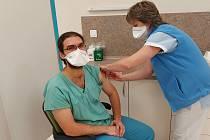 Očkování proti covidu v šumperské nemocnici