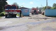 Požár plastového odpadu v lokalitě U Sázavy v Zábřehu.