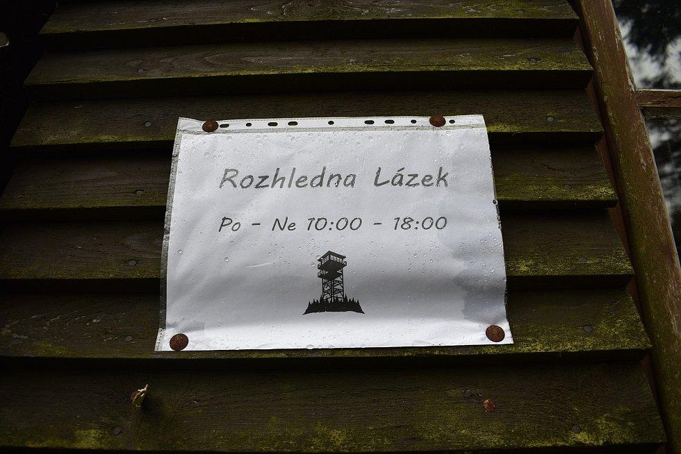 Rozhledna Lázek v Zábřežské vrchovině.