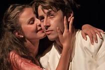V titulní roli Manon v první premiéře nové sezony Divadla Šumperk uvidí diváci Karolínu Hýskovou. Role rytíře de Grieux se zhostí Kryštof Grygar.