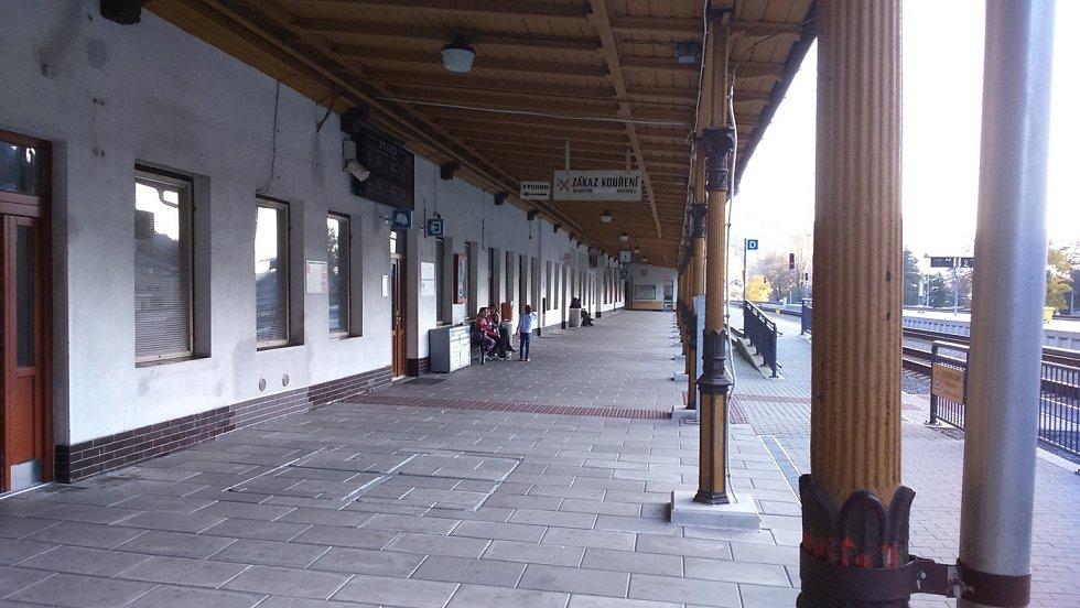 Nádraží v Hanušovicích před přestavbou v říjnu 2019