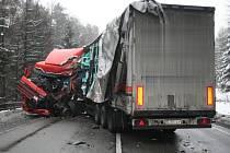 Havárie kamionů u Studené Loučky