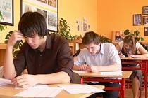 Ve středu se studenti oktávy A šumperského gymnázia potili při maturitních písemkách. Budoucí studenti se budou potit při přijímačkách 21. dubna.