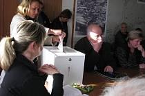 Ve Vernířovicích volili 6. května starostu