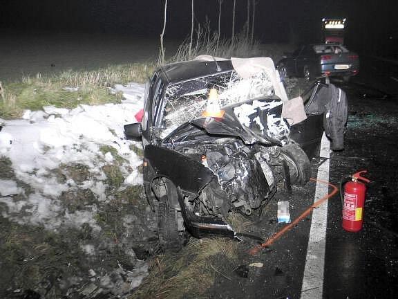 V troskách Citroenu zemřel jeho čtyřicetiletý řidič.