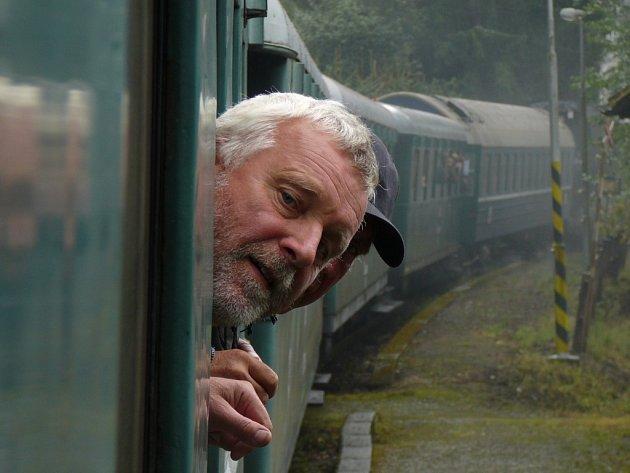 Při oslavách 140 let Moravské pohraniční dráhy projel trasu ze Šternberku do Dolní Lipky parní vlak