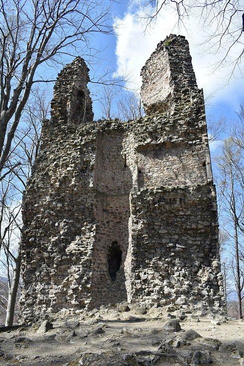 Archeologický průzkum na hradu Kaltenštejn u Černé Vody.