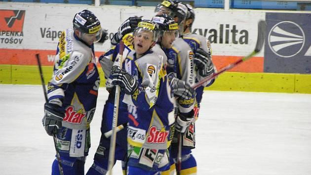 Radek Čížek (uprostřed) se svými spoluhráči.