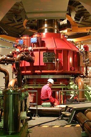 Turbogenerátor přečerpávací vodní elektrárny Dlouhé Stráně.