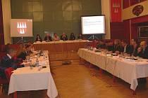 Mohelničtí zastupitelé během pravidelného zasedání