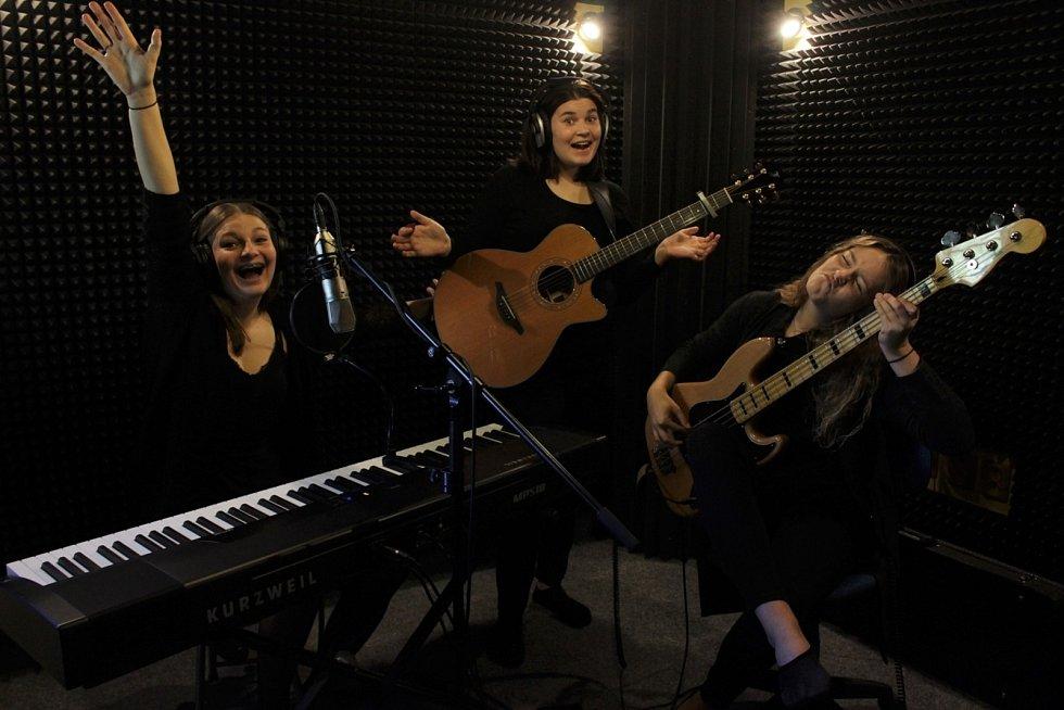 Kapela The Addams Sisters - studiové nahrávání, 2019