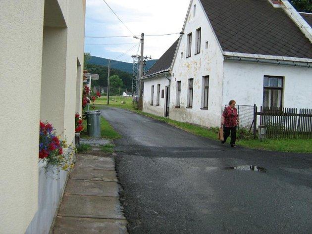 Na opravy cest v Černé Vodě nezbyly peníze.