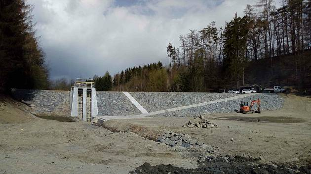 Vodní nádrž v Hrabišíně