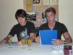 Ve čtvrtek 8. listopadu četli z knížky Karla Čapka studenti šumperského gymnázia.