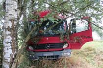 Nehoda nákladního mercedesu mezi Velkými Losinami a Loučnou nad Desnou