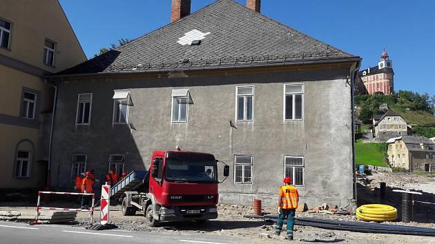 Zahájení oprav budovy soudu v Javorníku.