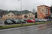 Současná podoba ulice Hlavní a středu Hanušovic.