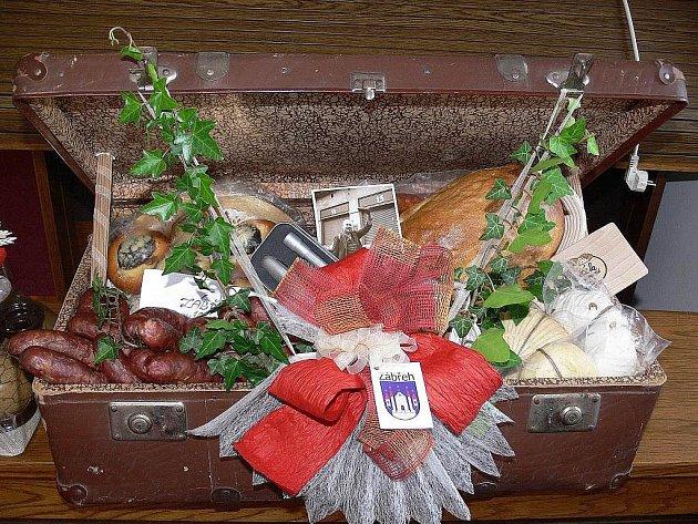 Všechny předměty, které dostal v kufru prezident Václav Klaus při návštěvě Zábřehu 15. června, pocházely z regionu a ty poživatelné byly úplně čerstvé