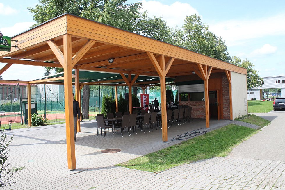 Hotel Sport v Šumperku má za sebou část rekonstrukce a znovu slouží veřejnosti.