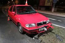 Opilý řidič v Jeseníku uvízl na ostrůvku