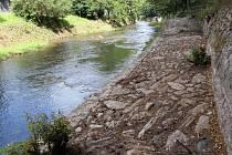 Jesenická náplavka se nachází na romantickém místě u Tindalova pramene. Může se stát oblíbeným místem procházek.