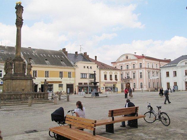 Revitalizace náměstí v Mohelnici se blíží kekonci, hotová má být 30. října.