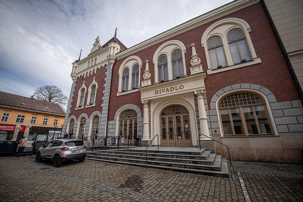 Město Šumperk, 30. března 2021. Divadlo.