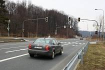 Světelná křižovatka v Mikulovicích na Jesenicku.