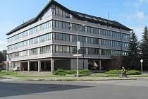 Budova úřadu práce v ulici M. R. Štefánika v Šumperku.
