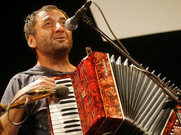 Písničkář Václav Koubek vystoupí v zábřežském Retru