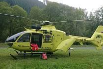 Ke dvěma těžkým zraněním v Jeseníkách byl v sobotu 28. září povolán vrtulník.