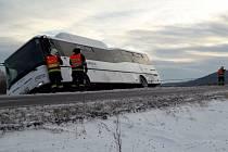 Nehoda autobusu v pátek 13. ledna u Skorošic.