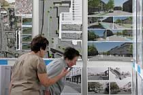 Na výstavě v zábřežské základní umělecké škole si do konce července mohou zájemci prohlédnout všech třiadvacet architektonických studií na budoucí podobu náměstí Osvobození.