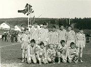 VKOPAČKÁCH. Sestava žáků Baník Kamenná. Květen 1967.