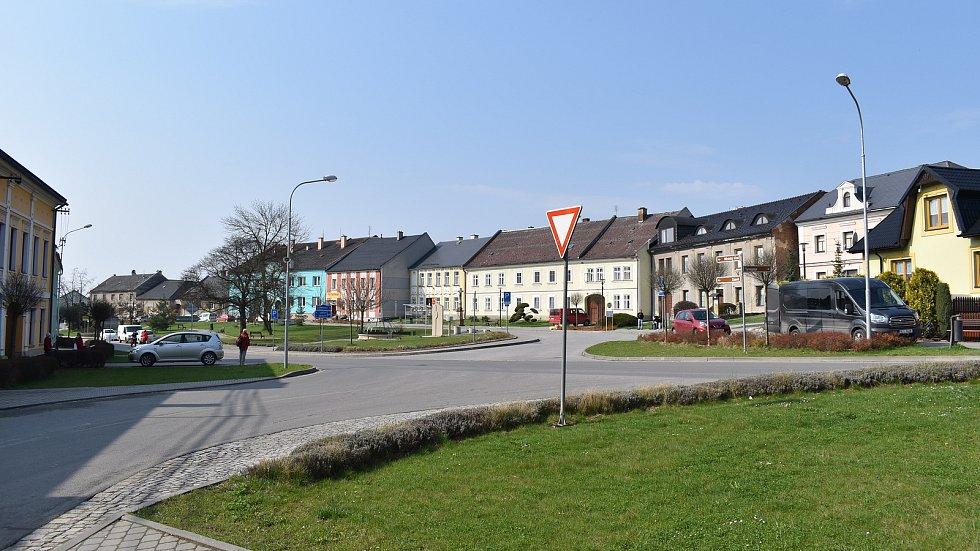 Město Úsov - náměstí