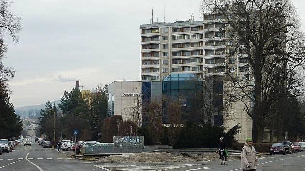 Dopravně složitý prostor náměstí Svobody přihlásilo město Šumperk do soutěže o Cenu Petra Parléře