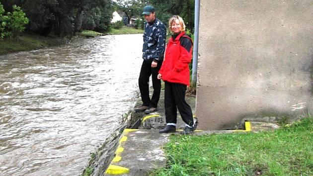 Starostka Vidnavy Eva Pavličíková se raduje, voda klesla. Ve městě tak mohli odvolat nejvyšší stupeň nebezpečí.