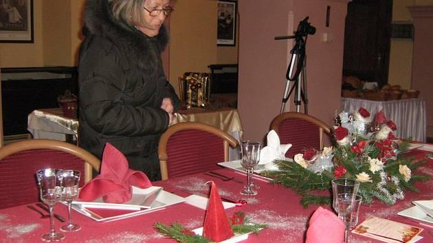 Studenti Potravinářského učiliště v Jeseníku předvedli svoji vánočně laděnou prezentaci.