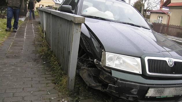Nehoda Škody Octavia v Hrabišíně