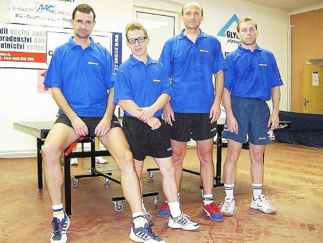 Šumperský ligový tým stolního tenisu na archivním snímku. Už je minulostí