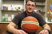Kouč šumperských ligových basketbalistů Radim Šíma