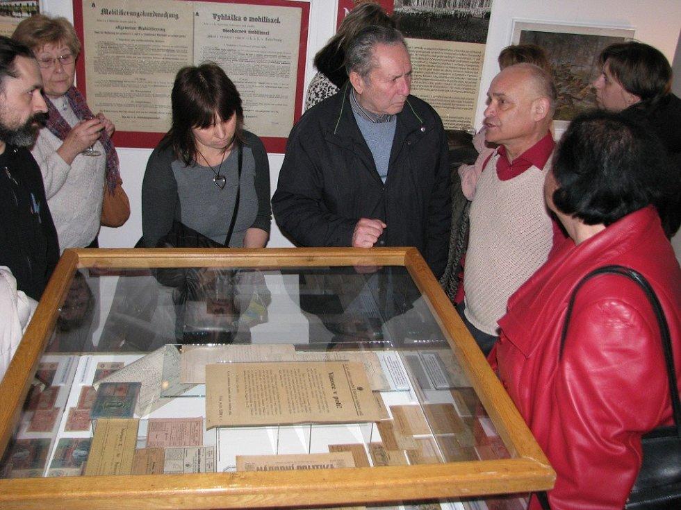 V mohelnickém muzeu se mohou návštěvníci až do poloviny dubna seznámit s působením vojáků z regionu na frontách Velké války i se životem v zázemí v té době.