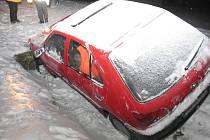 Peugeot 306 havaroval ve Velkých Losinách