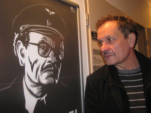 Zábřežský rodák Miroslav Krobot, představitel titulní role filmu Alois Nebel, na setkání s diváky v kině Retro v Zábřehu 24. února 2012