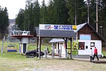 Lyžařský areál Příčná u Zlatých Hor v roce 2012.