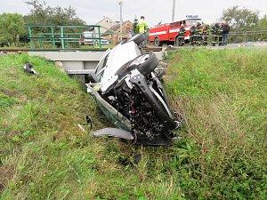 Nehoda vlaku a dodávky na přejezdu ve Vikýřovicích
