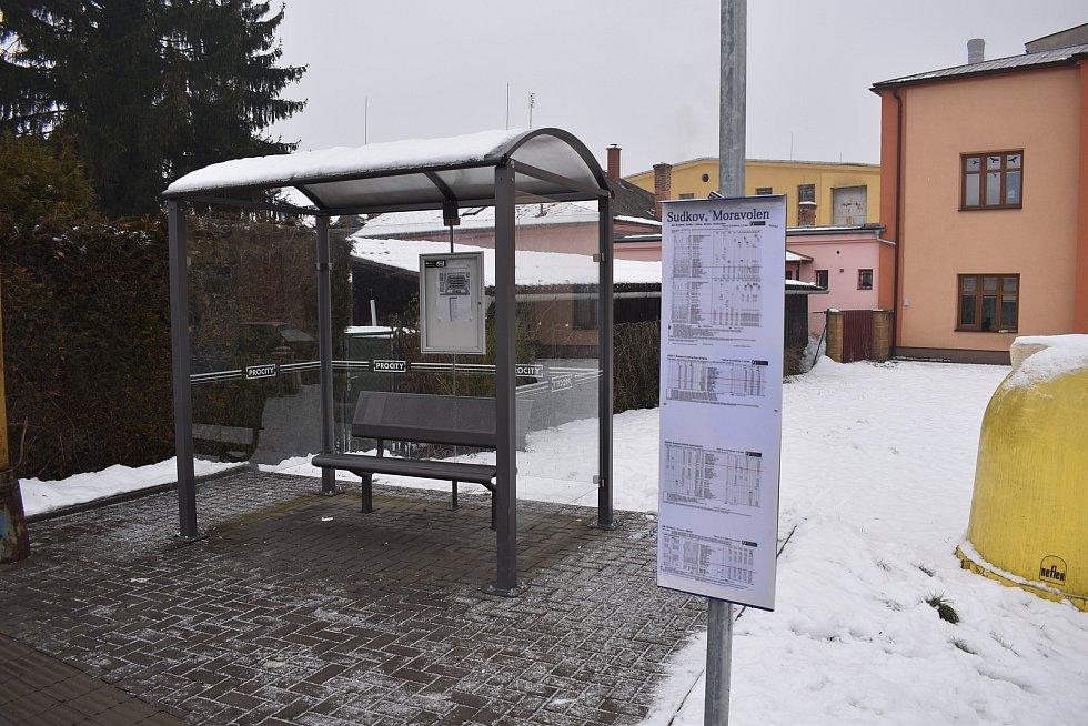 Sudkov - zastávka u bývalého Moravolenu.